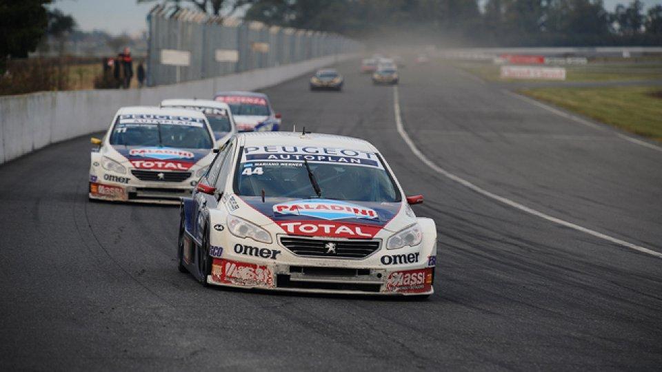 Super TC2000: Werner busca la puesta a punto de su auto y probó el Peugeot