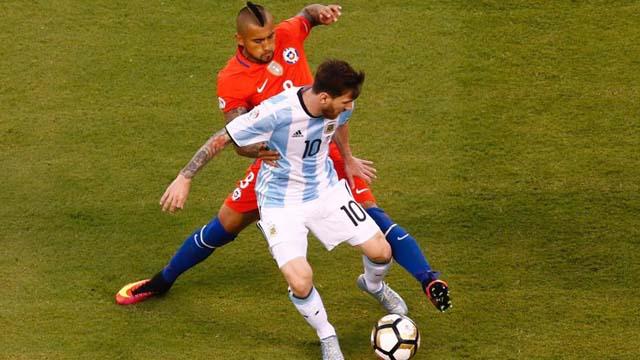 El Rey Arturo avivó la rivalidad entre la selecciones de Argentina y Chile.