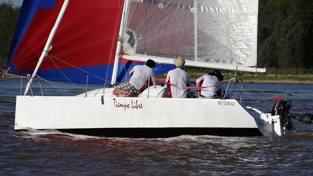 """El velero cabinado del Náutico """"Tiempo Libre"""" competirá este sábado."""