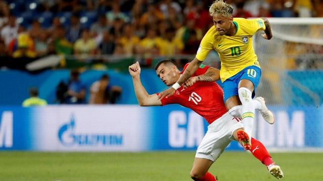 En otro golpe mundialista, Suiza amargó a Brasil e igualaron en el estreno