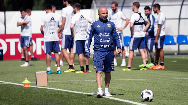 La Selección Argentina entrena y Sampaoli define el equipo para la