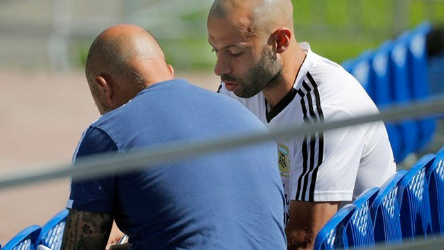 Video: Mascherano dialogó con Sampaoli y dejó un mensaje en las redes sociales