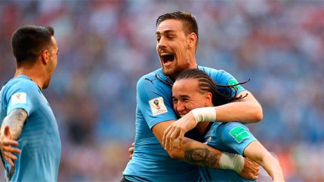 Uruguay le gana a Rusia 2 a 0 y se queda con su grupo
