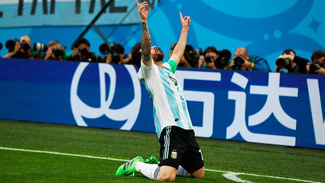 Los fanáticos de Messi le suplican al 10 que continúe en la Selección.