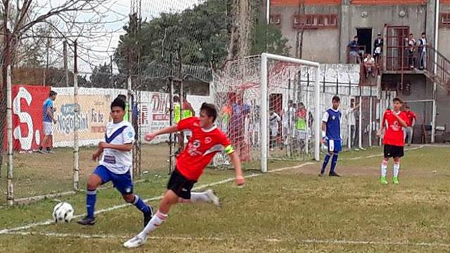 El mal tiempo suspendió la jornada en el fútbol de Paraná Campaña