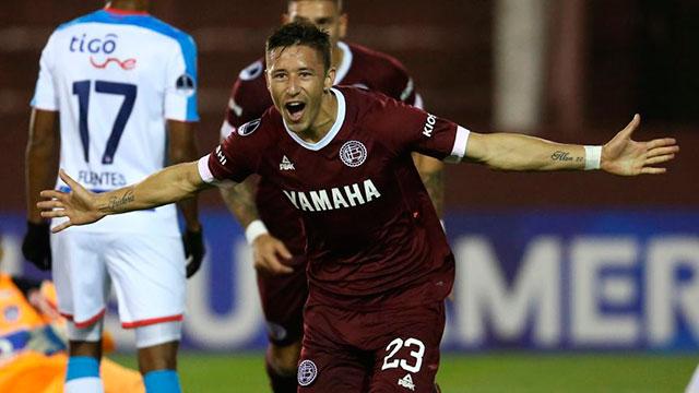 Lanús ganó por la mínima diferencia, pero irá a Barranquilla con ventaja por la Sudamericana