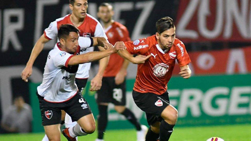 Independiente no pudo con Newells en Rosario.