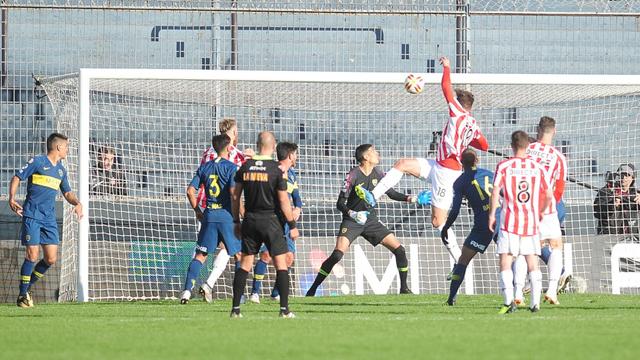 Superliga: Estudiantes aumenta la diferencia y vence a Boca