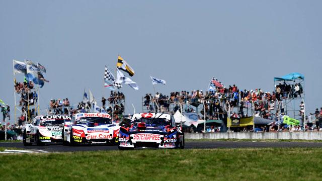 Matías Rossi ganó de punta a punta la final del TC en el autódromo de Paraná.