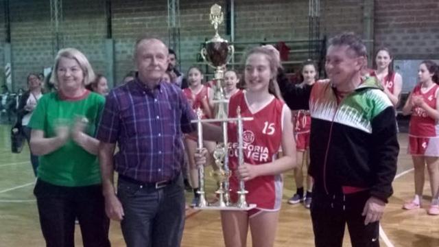 Las chicas de La Histórica lograron por cuarta vez al hilo el título provincial.
