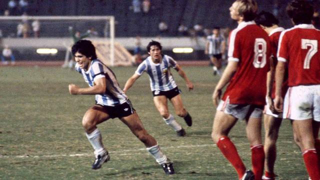 Fotos inéditas de Maradona publicada por un fotógrafo japonés.
