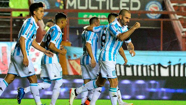Racing defiende la punta de la Superliga visitando a San Martín de Tucumán