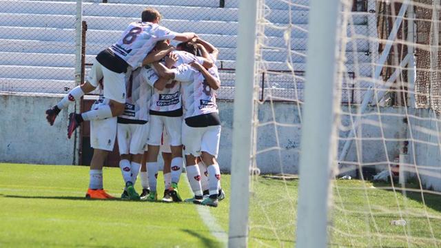 Patronato logró una buena victoria como local frente a Independiente.