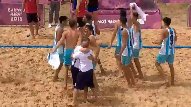 El entrerriano volvió a festejar con la selección Argentina.