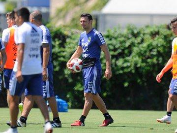 Se viene Argentina-Brasil: día, hora, probables formaciones y cómo ver el partido