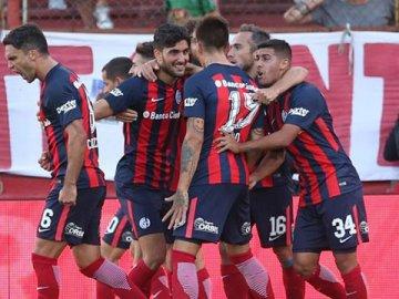 San Lorenzo enfrentará a San Martín de San Juan con los entrerrianos Senesi y Reniero como titulares
