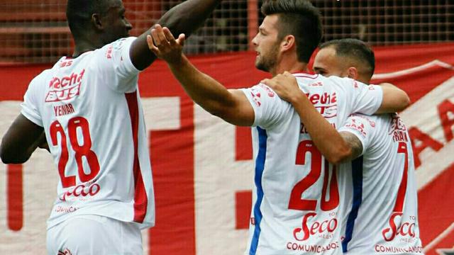 Unión festejó de visitante y es escolta en la Superliga