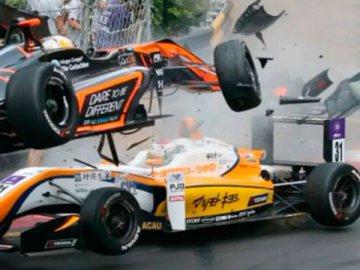 Video: El tremendo accidente de la piloto alemana de 17 años en el circuito de Macao