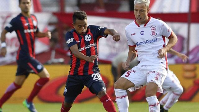 Superliga: San Lorenzo y Huracán juegan el postergado clásico