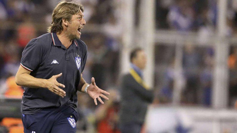 Los dirigente de Vélez quieren extender el contrato de Heinze una temporada más.