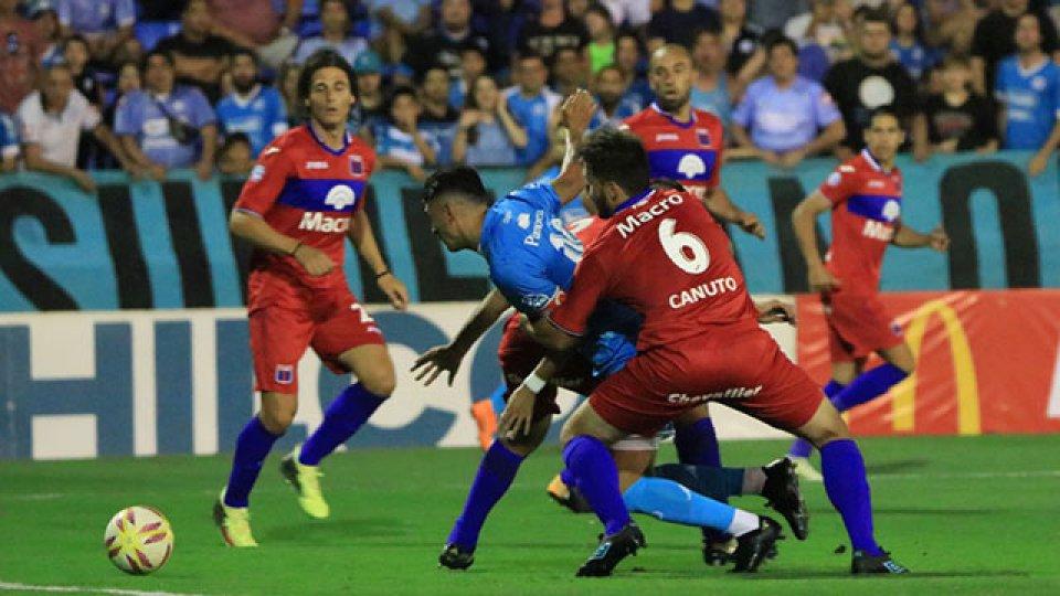Tigre le ganó a Belgrano en Córdoba. (Foto: Olé)