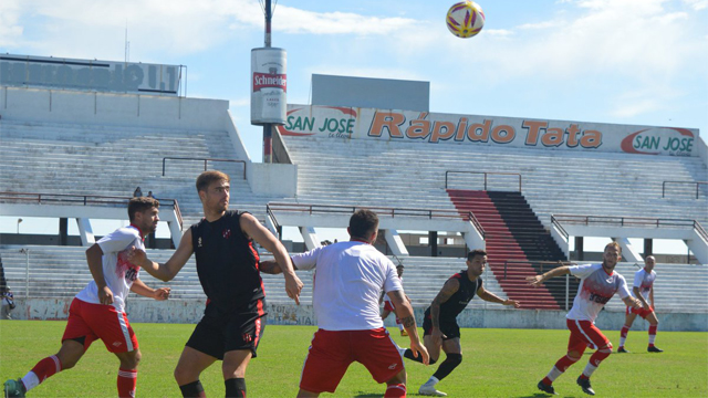 El Rojinegro se quedó con los dos Clásicos de Paraná frente al Gato.