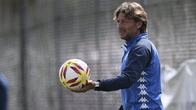 """""""Robertone no está en consideración para el próximo partido"""", avisó el Gringo."""