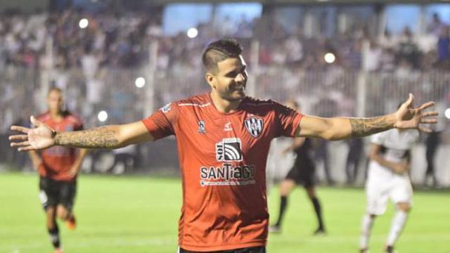 La Joya fue clave en la victoria del Ferroviario. (Foto: www.diariopanorama.com)