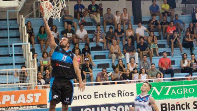 Echagüe remontó un partido difícil, pero cayó de local con Villa San Martín.