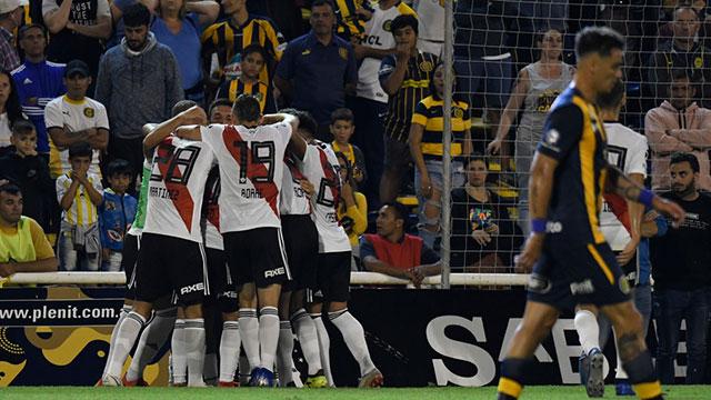 En un partido vibrante, Central y River empataron en Rosario.