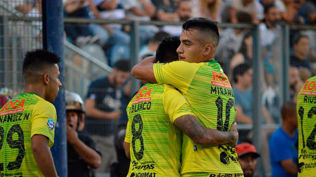 Defensa es el único líder de la Superliga.