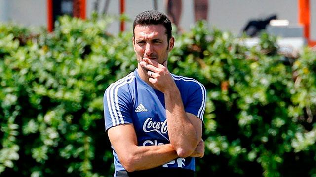 El técnico argentino define la lista para la Copa.