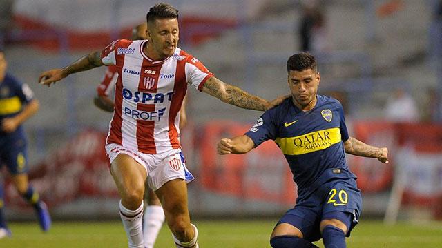 Boca, sin Tevez y con la urgencia de mejorar, enfrenta a Unión en Santa Fe.