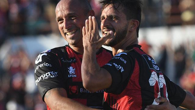 Federico Bravo, el gol de Patronato ante Huracán. (Foto: Olé)