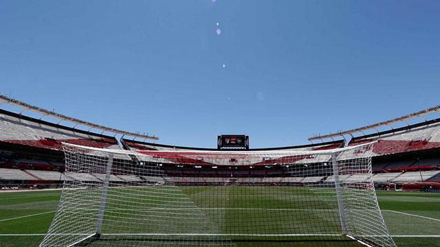 El Monumental, a horas de su primer partido oficial a puertas cerradas.