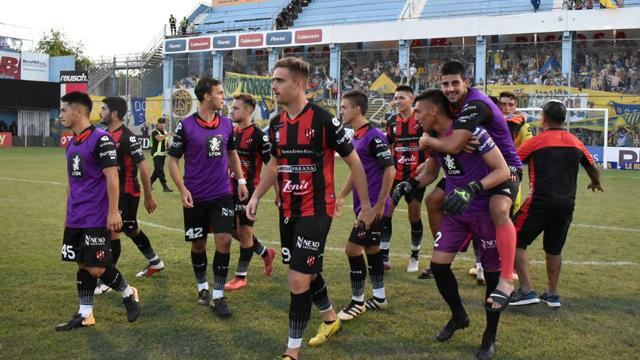 El Patrón dejó al Docke en el camino y ahora se medirá ante Independiente.