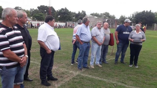 El homenaje para el delantero fallecido en la nueva casaca del Rosonero.