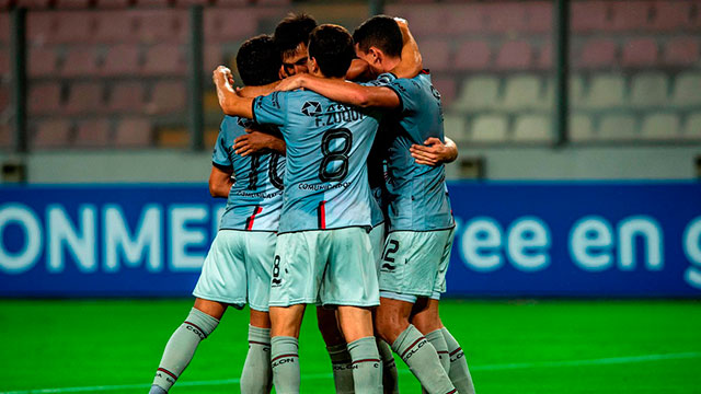 Deportivo: Colón goleó a  Municipal en Perú