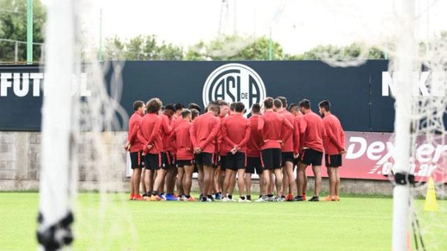 Duro golpe de la Superliga a San Lorenzo: le sacarán 6 puntos y no podrá incorporar jugadores