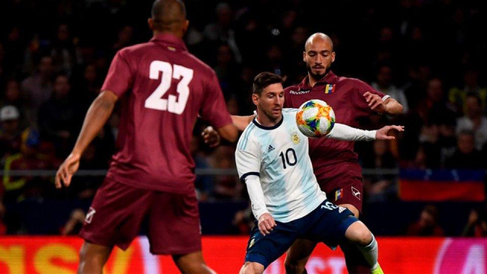 Pese a la vuelta de Lio, Argentina no pudo con Venezuela en España.