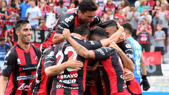Patronato enfrenta a Argentinos Juniors y va por un triunfo.