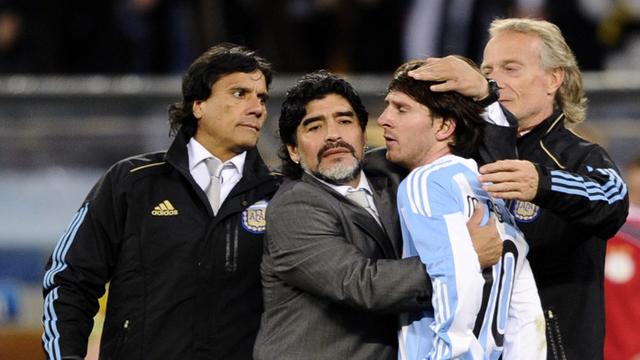 """A Messi le cuesta un montón divertirse en Argentina"", opinó Enrique."