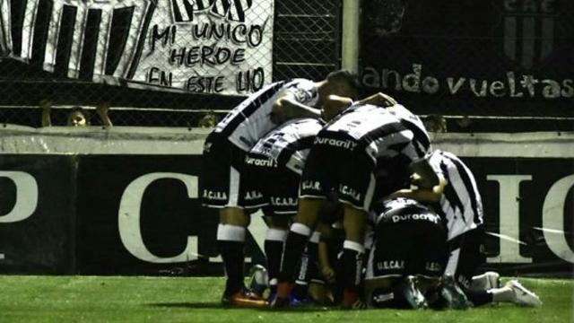 El Pincha de Caseros vuelve a la Primera B Nacional luego de 18 años.
