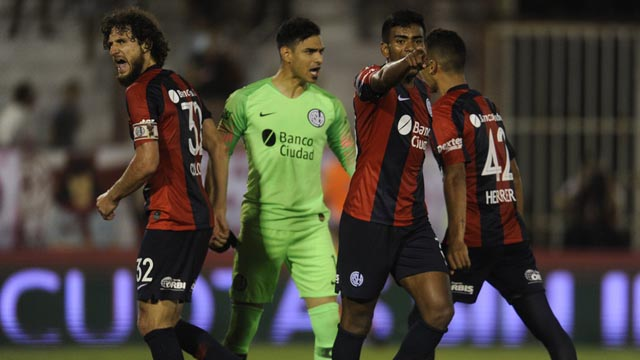 El equipo de Almirón se quedó con el clásico.