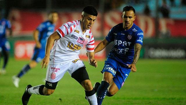Barracas Central dio la sorpresa y eliminó a Unión de la Copa Argentina.