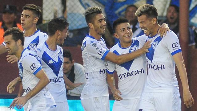 Vélez le ganó la ida  de los octavos de la Copa de la Superliga a Lanús.