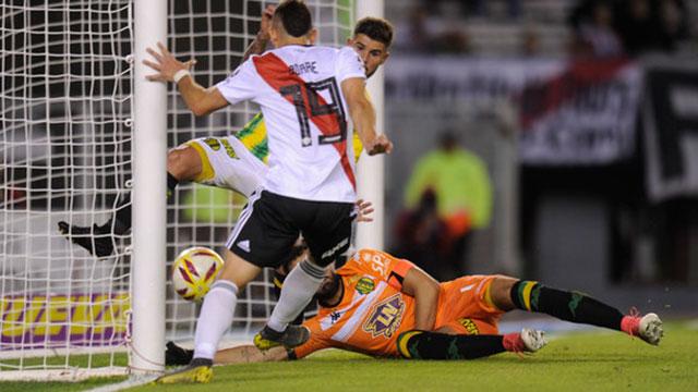 River aplastó a Aldosivi y se clasificó a cuartos de final.