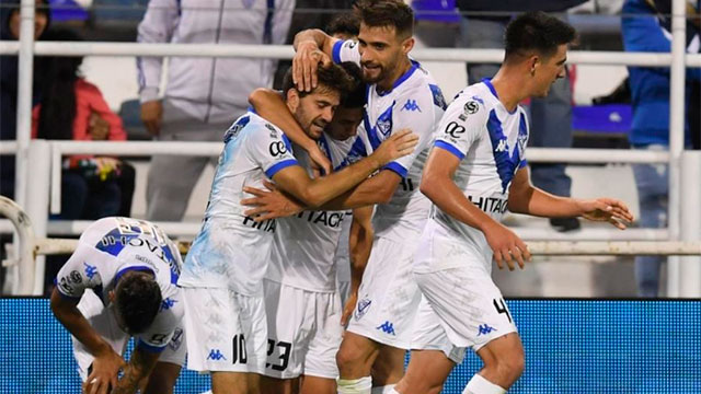 Vélez le ganó a Lanús y será el rival de Boca en cuartos.