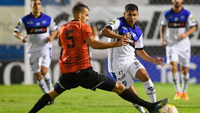 Con gol de Leonardo Acosta, Almagro se metió en las semifinales.