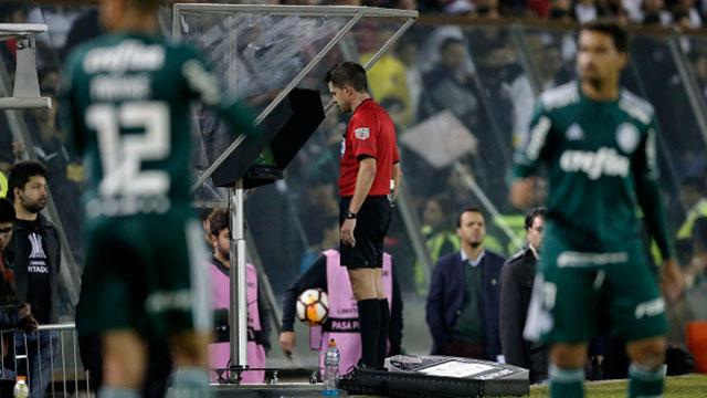 El VAR se implementaría para toda la Copa Libertadores 2020.